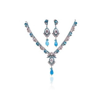 Beautiful Aqua Stone Crystal Necklace Set