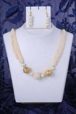 All White Classy Pearl Necklace Set
