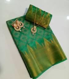 Buy Green woven Soft kanchipuram silk saree with blouse kanchipuram-silk-saree online