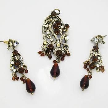 Victorian Designer Pendant Set Dark Red