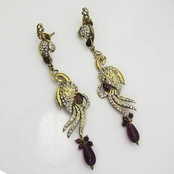 Victorian Slim Peacock Earring Violet Shady