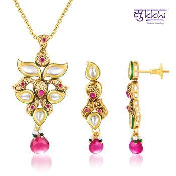 Sukkhi Kundan Gold plated Luxurious Pend