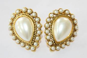 ANTIQUE GOLDEN WHITE PEARLS TOPS