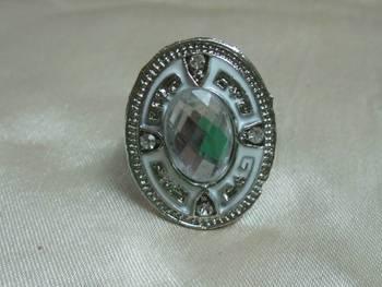 Trendy white ring