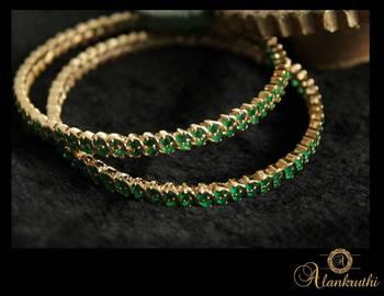 Imitation Jewellery - Emerald Bangle