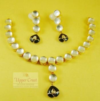 Black Kundan Gold Plated Necklace Uppercrust Jewellery