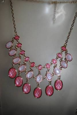 Shimmery  baby pink tone statement necklace