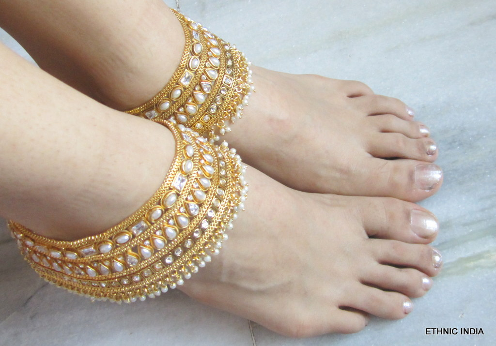 Buy Gold plated Broad Polki pearl Anklets Payal Online