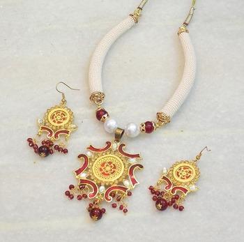 Elegant ethnic colored stone meena necklace set