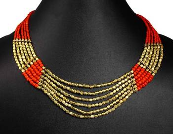Necklace plated in gold tone