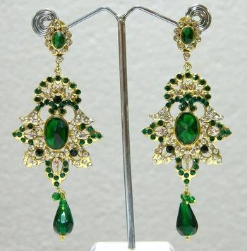 Buy ethnic  fashion earrings