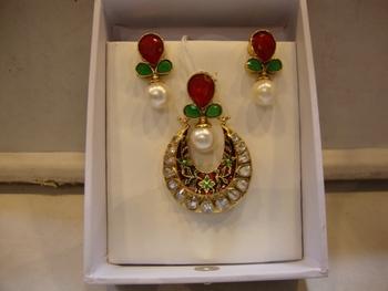Design no. 18B.1381....Rs. 1650