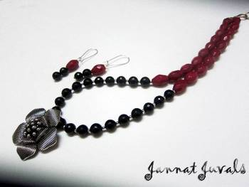 Pink drops and Black onyx set