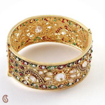 Ethnic Bangle with royal look