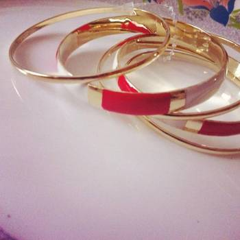 Red White Golden Bangles