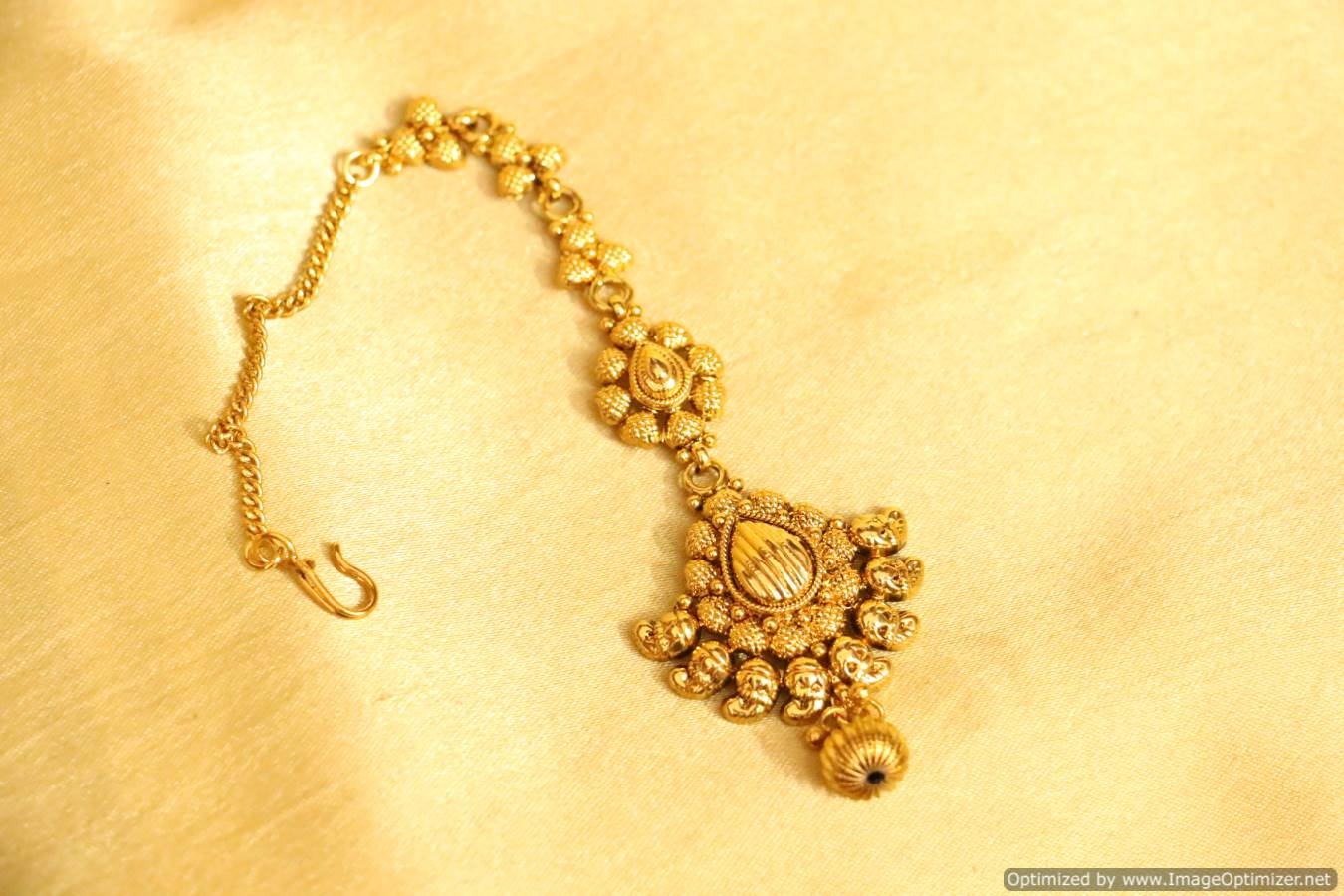 Golden maang tikka designs bridal jewellery bridal maang - Golden Maang Tikka Designs Bridal Jewellery Bridal Maang 42