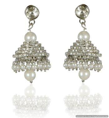 Kshitij Chandelier Pearl Earrings